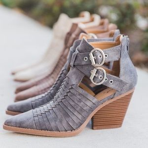 Lockport - Pointed Toe Bootie